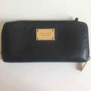 MUST SELL QUICK! Michael Kors Leather Wallet